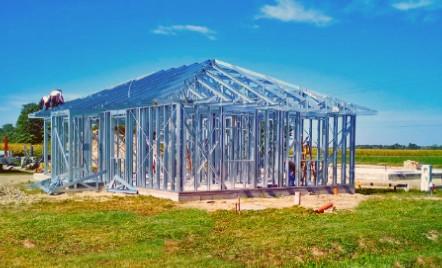 Könnyűszerkezetes és Téglaház Építés